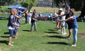 Balloon Toss